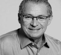 Câmara de Corrente presta homenagem póstuma ao deputado Assis Carvalho